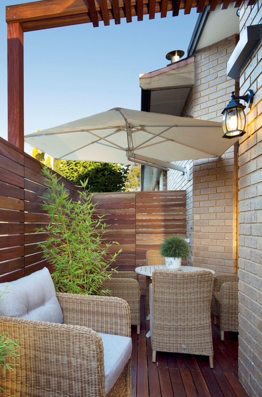 wall mounted umbrellas cantilever outdoor umbrellas sydney shade. Black Bedroom Furniture Sets. Home Design Ideas
